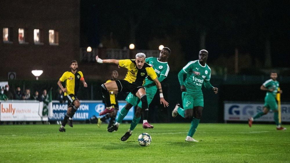 """Malgré la prestation étincelante de Maroufi à mi-terrain, les """"jaune et noir"""" ont concédé le match nul."""