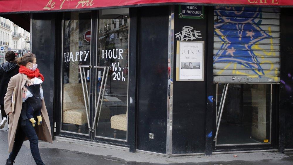 A Paris, de nombreux cafés ont dû fermer à nouveau.