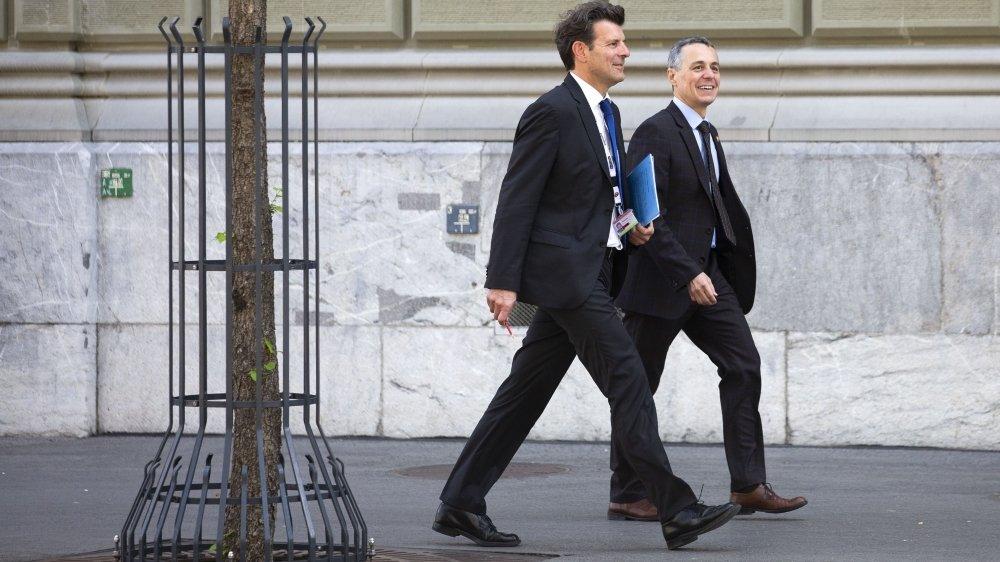 Ignazio Cassis (à droite) va se séparer de son négociateur en chef avec l'UE, Roberto Balzaretti.