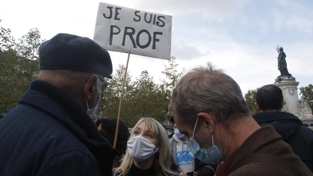 La vague d'émotion provoquée par l'assassinat du professeur a poussé la France dans la rue, pour des marches blanches, comme ici à Paris, dimanche dernier.