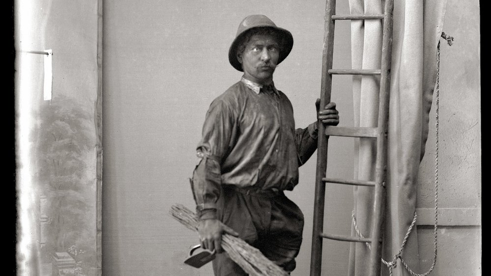 Un ramoneur, dans sa tenue de travail.