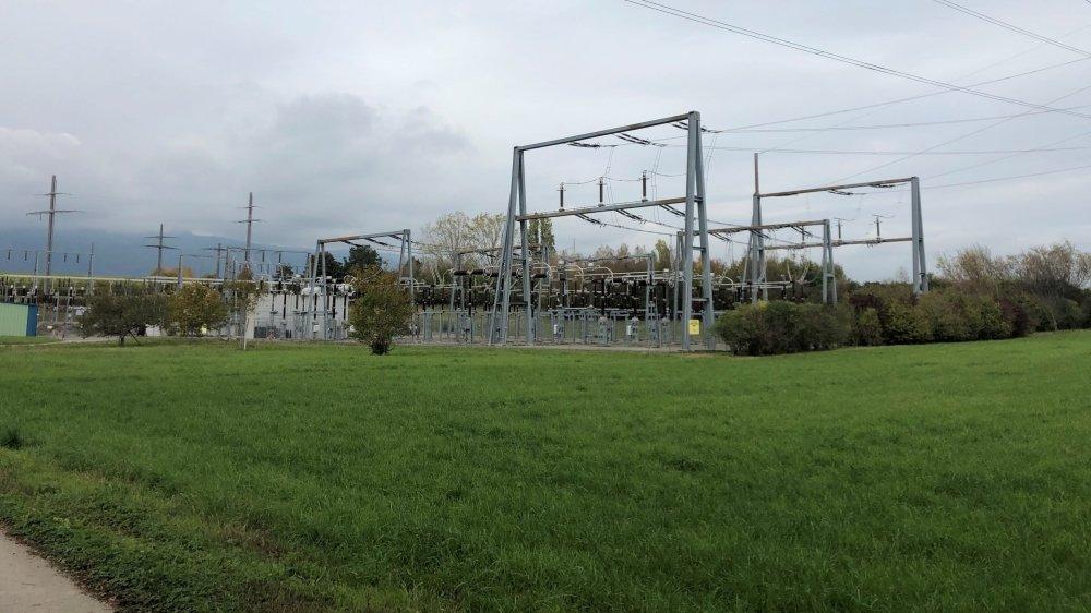 L'antenne est prévue sur la parcelle située dans les hauts de la commune de Crans et qui accueille le site de la Romande Energie.