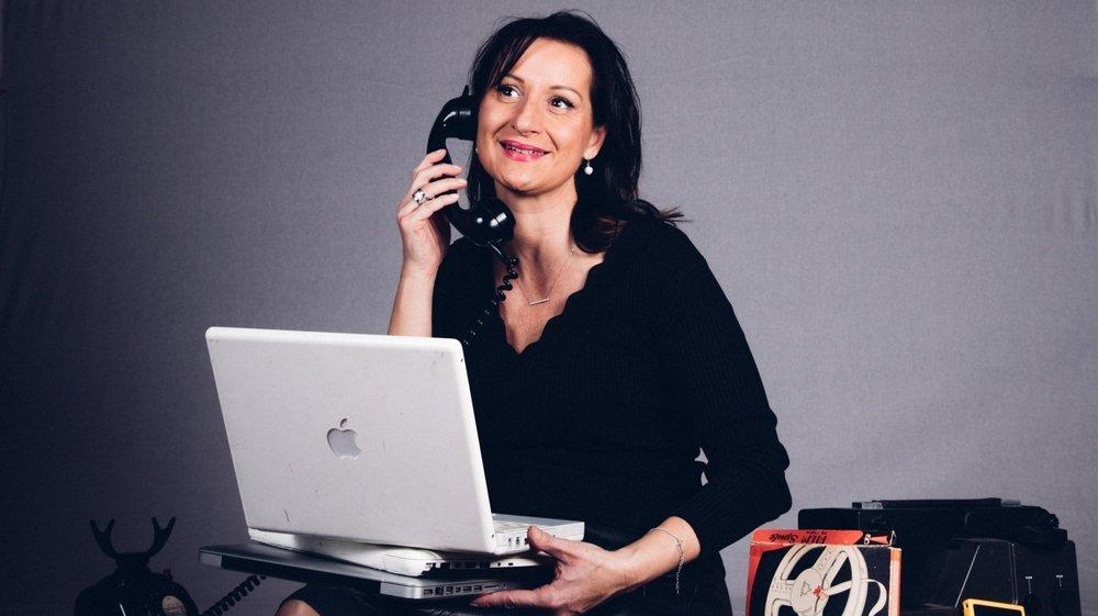 L'humoriste suisse Karin C. sera sur la scène du Pré-aux-Moines, ce vendredi, avec un one-woman-show caustique et piquant. A ne pas manquer!