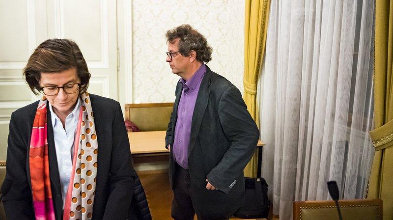 Elina Leimgruber, à gauche, et Jérôme Christen, à droite, en discussion lors d'une séance en 2018. (Archives)