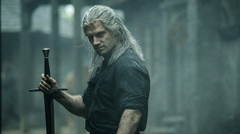 """L'acteur Henry Cavill joue le sorceleur Geralt de Riv dans """"The Witcher""""."""