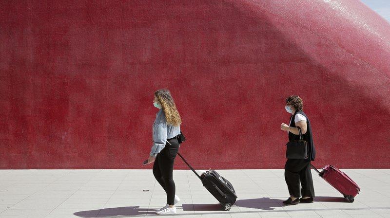 Les voyageurs rentrant du Portugal devront se mettre en quarantaine.