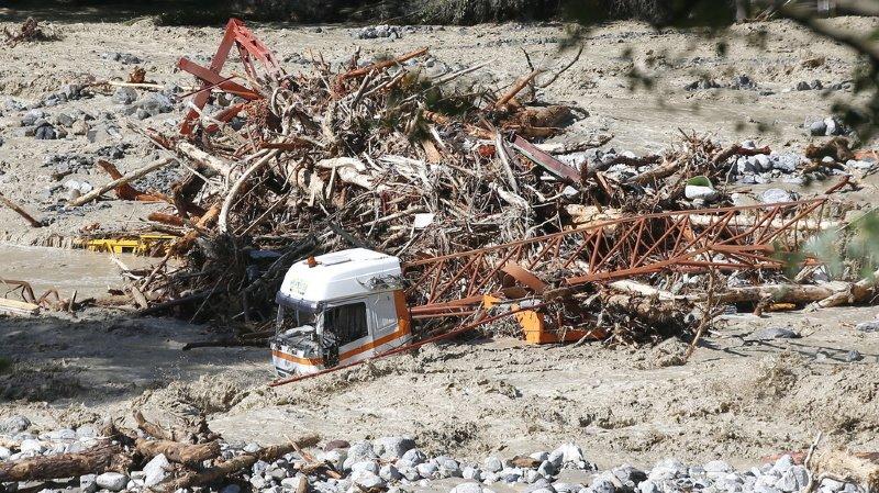Intempéries: deux morts au moins et beaucoup d'inquiétudes sur le bilan humain après les crues en France et en Italie