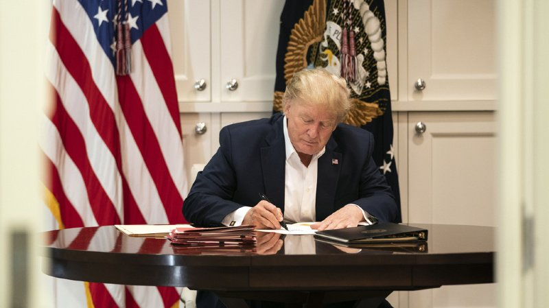 Présidentielle américaine: Trump va «beaucoup mieux», les prochains jours seront «le vrai test»