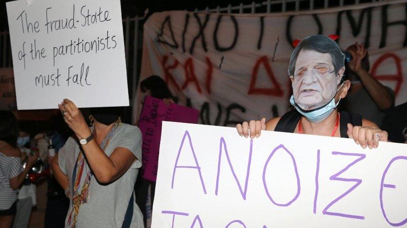 Les «passeports dorés» agitent toujours Chypre