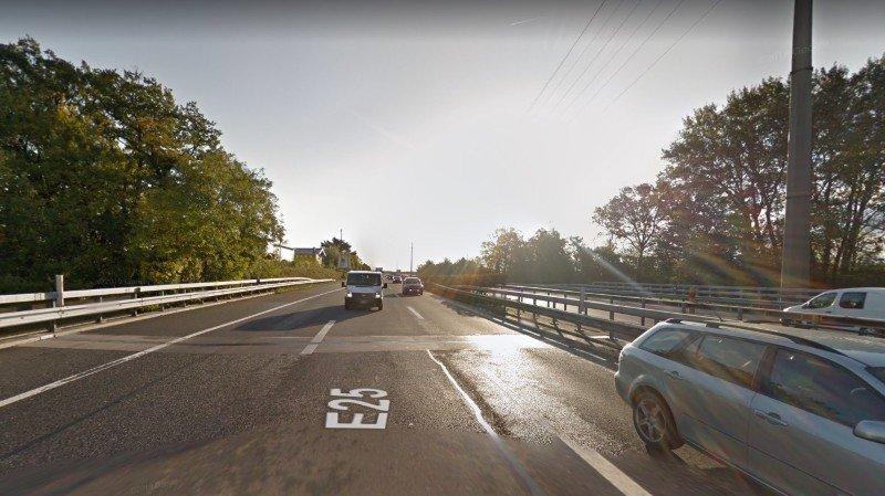 L'accident a eu lieu peu avant la sortie d'autoroute de Aubonne.