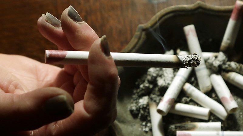 Santé: même s'il est arrêté avant une grossesse, le tabac peut affecter le placenta
