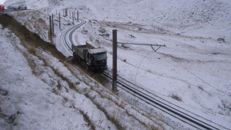 Col de l'Oberalp: ligne de train coupée après la chute d'un camion