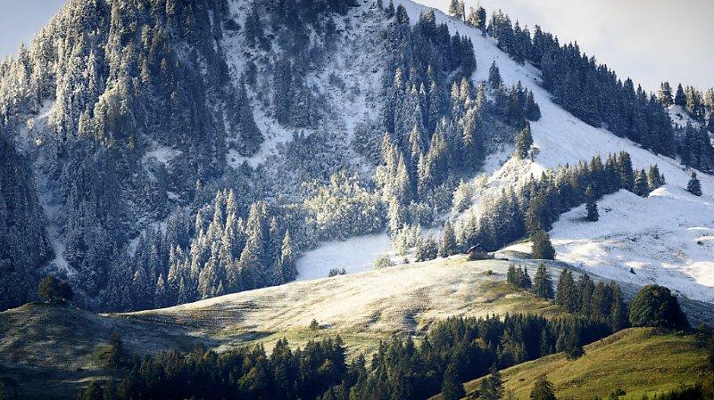 Circulation: les premières chutes de neige ont perturbé le trafic en altitude