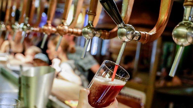 La bière a été brassée par des humains, mais sa recette a été créée par une intelligence artificielle développée par la HSLU (image d'illustration).