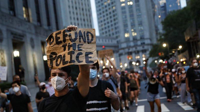 Etats-Unis: le policier inculpé du meurtre de l'Afro-américain George Floyd libéré sous caution