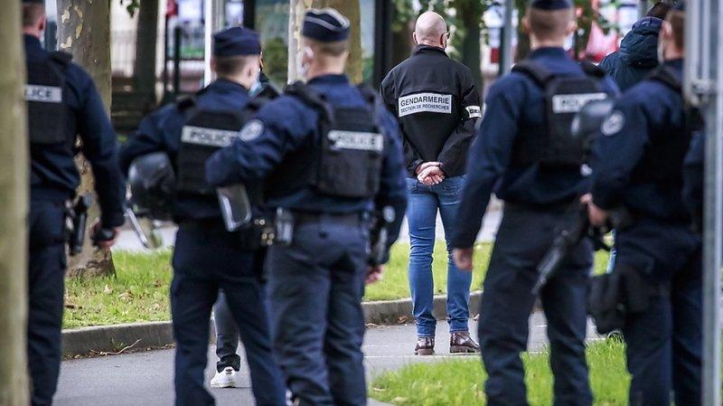 France: un homme décapité en région parisienne, dix personnes en garde à vue