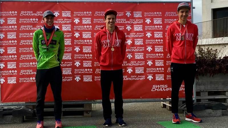 Deux triathlètes nyonnais médaillés aux Championnats suisses juniors