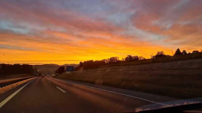 Météo: le ciel rouge de ce mardi matin est dû au sable du Sahara