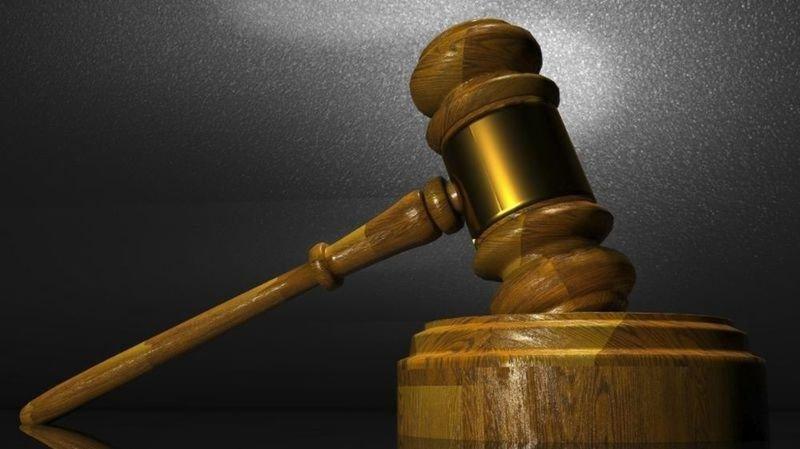 Question de droit: peut-on condamner le père Noël pour violation de domicile?