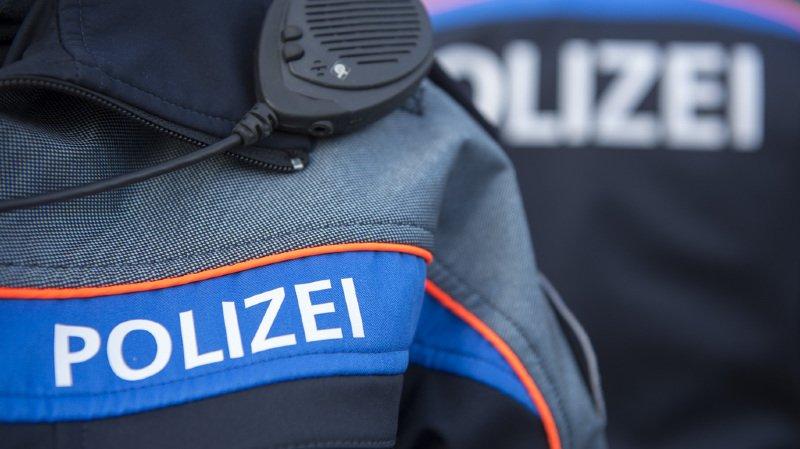 Des passants ont découvert l'homme gravement blessé vers 10h45, a indiqué vendredi la police municipale zurichoise (illustration).