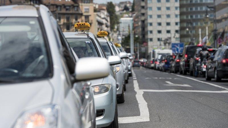 Les chauffeurs lausannois voient rouge à cause des taxis verts