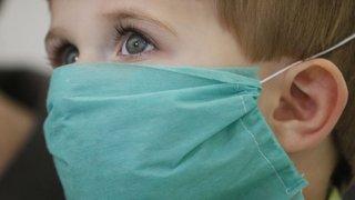 Covid-19: moins infectés, nos enfants sont-ils également moins contagieux?