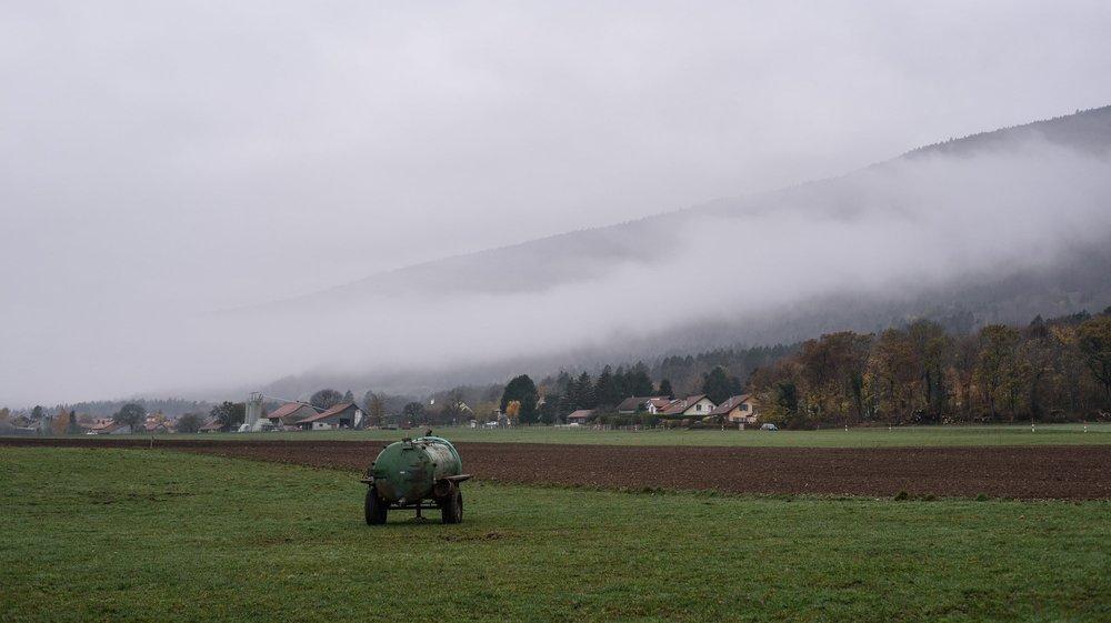 La nouvelle fiscalité agricole, découlant d'un arrêt du Tribunal fédéral de 2011, plonge le monde paysan dans un brouillard qui dure depuis neuf ans. Un couple d'exploitants retraités a porté son cas devant le Tribunal cantonal.