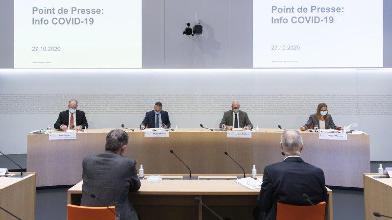 La situation est sérieuse, a averti Virginie Masserey, cheffe de la section contrôle de l'infection de l'OFSP (tout à droite sur la photo), lors d'un point de presse à Berne.