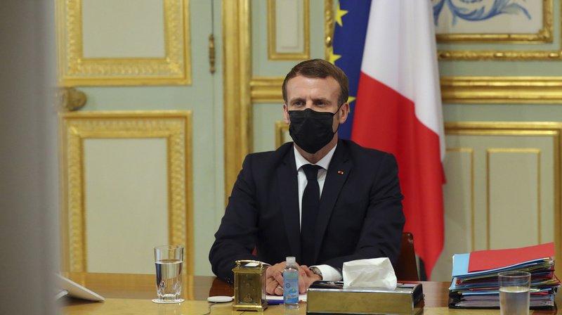 """France: Macron dénonce des """"manipulations"""" de ses propos sur les caricatures"""