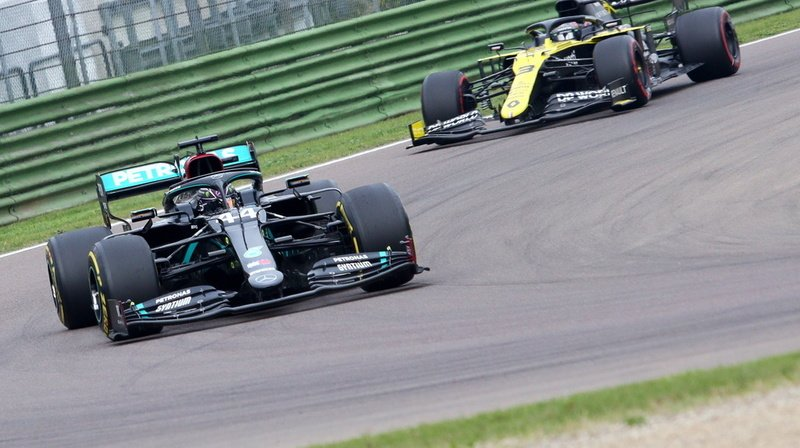 Lewis Hamilton en action sur le circuit d'Imola.