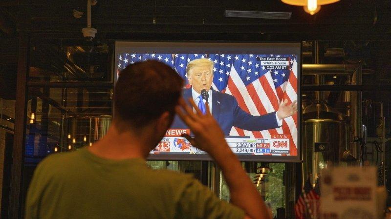 Présidentielle américaine: des télévisions nationales ont coupé l'allocution de Trump à cause de mensonges