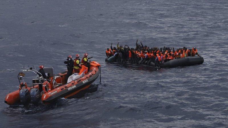 Italie: le navire humanitaire espagnol Open Arms transborde 255 migrants en Sicile