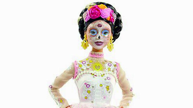 Mexique: la Barbie «squelette» s'impose sur le marché
