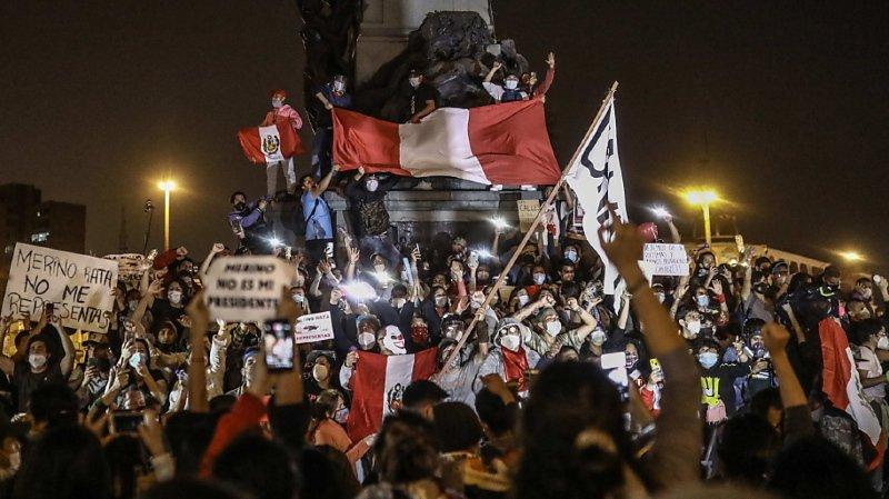 L'ex-président critique le nouveau pouvoir, appelle à des manifestations
