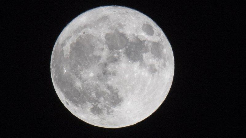 Espace: la Lune encore plus riche en eau que prévu