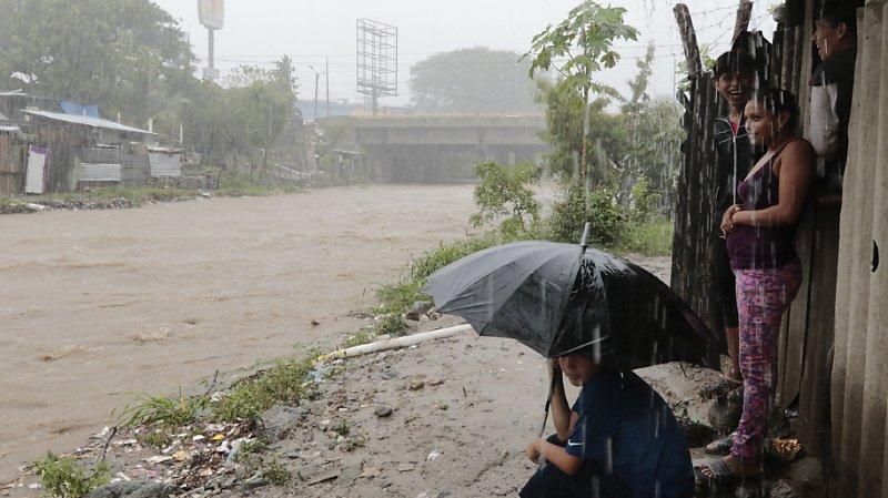 Amérique centrale: la tempête tropicale Iota s'affaiblit après avoir fait 25 morts
