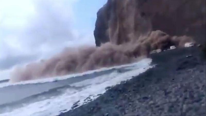 Espagne: une falaise s'effondre sur une plage des îles Canaries