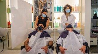 Les coiffeurs genevois pourront reprendre leurs ciseaux