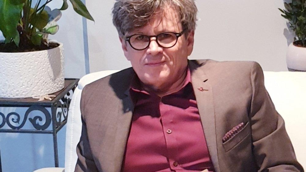 """Cătălin Mihuleac, journaliste, a mélangé dans """"Les Oxenberg & les Bernstein» souffle romanesque, humour et gravité."""