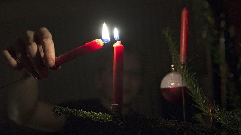 Prévention: comment éviter les incendies de sapins ou de bougies