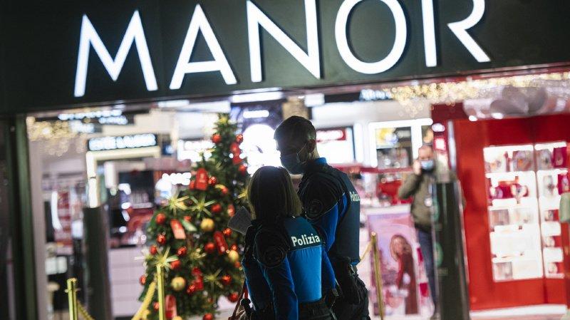 Le magasin Manor situé sur la Piazza Dante à Lugano a été le théâtre d'une attaque au couteau mardi.
