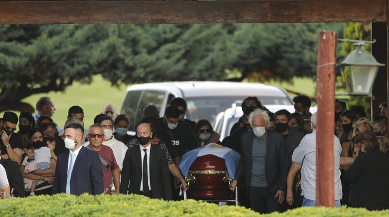 L'entreprise funéraire responsable du service a décliné toute responsabilité.