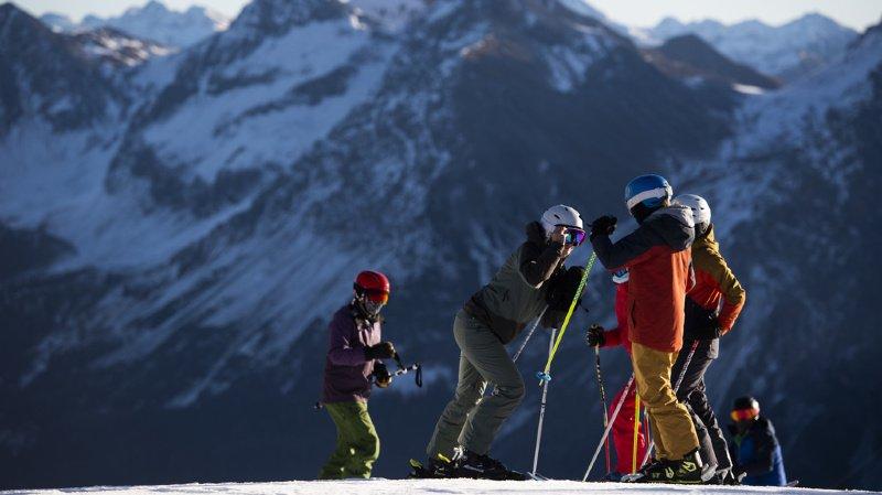 Coronavirus: vers un isolement de 7 jours pour les Français qui iront skier à l'étranger