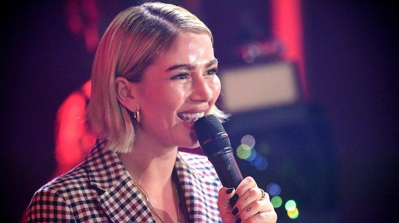 """La rappeuse d'origine kosovare a annoncé son don en direct lors du gala """"Ein Herz für Kinder"""" samedi soir à Berlin."""