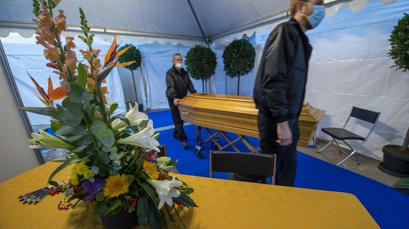 Coronavirus: pourquoi les morts du Covid semblent-ils passer inaperçus?