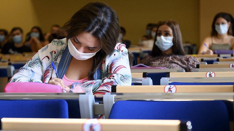 La part des femmes diplômées du tertiaire a augmenté de 12,7 points de pourcentage entre 2010 et 2019, selon une étude de l'OFS (image d'illustration).