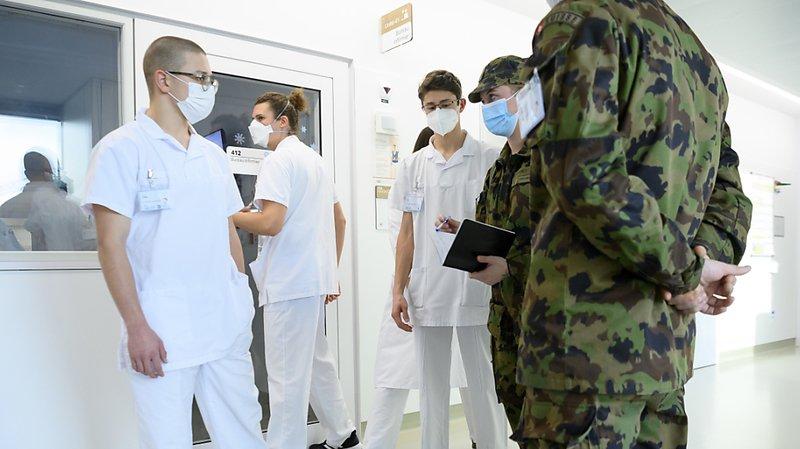 Plusieurs cantons, notamment en Suisse romande, ont fait appel à l'armée ces dernières semaines pour appuyer leurs hôpitaux (image d'illustration).
