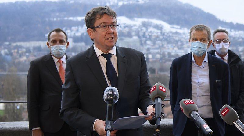 Albert Rösti (UDC/BE) appartient à la coalition de parlementaires fédéraux issus des rangs de la droite, qui exige que les capacités des régions de ski ne soient pas limitées.
