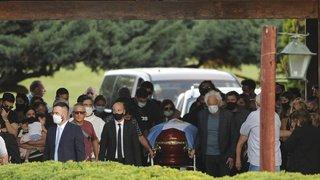 Cercueil de Maradona: des gestes qui indignent l'Argentine