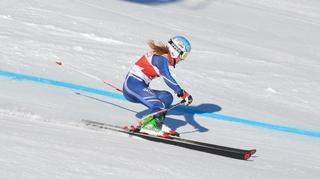 La Glandoise Anna Violon met un ski parmi l'élite